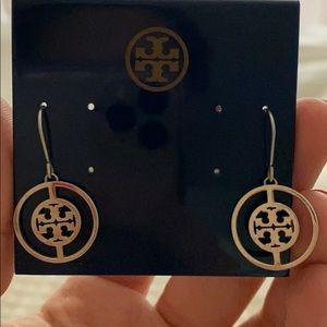 Tory Burch Deco logo drop earrings
